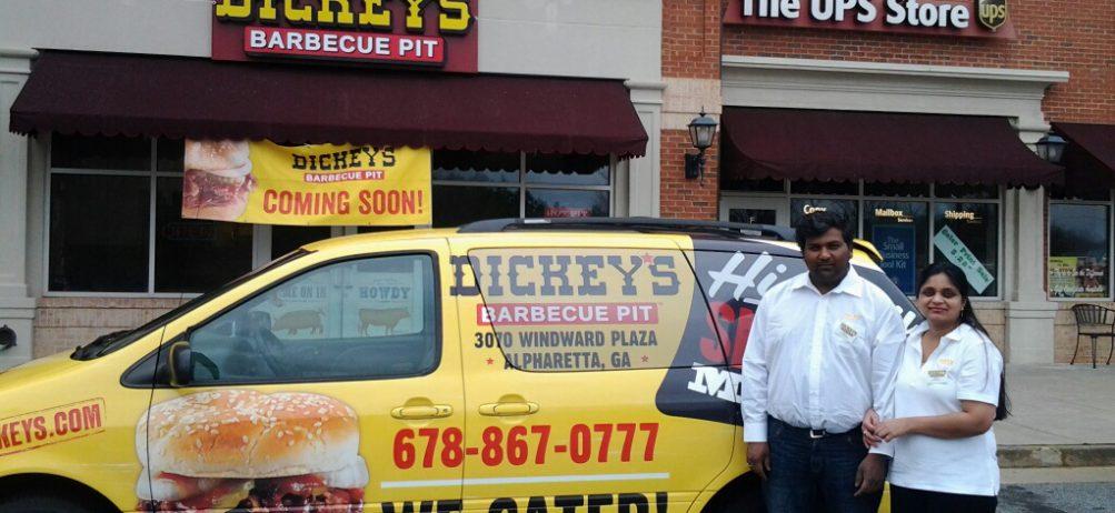 Alpharetta Community Herds to Dickey's for a Smokin' Hot Event