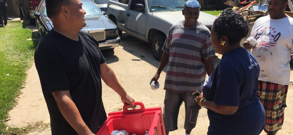Local Dickey's Crew Travel South to Give Aid to Those Affected by Hurricane Harvey