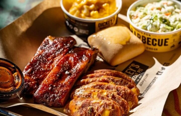 Dickey's Barbecue Pit, Fortworth